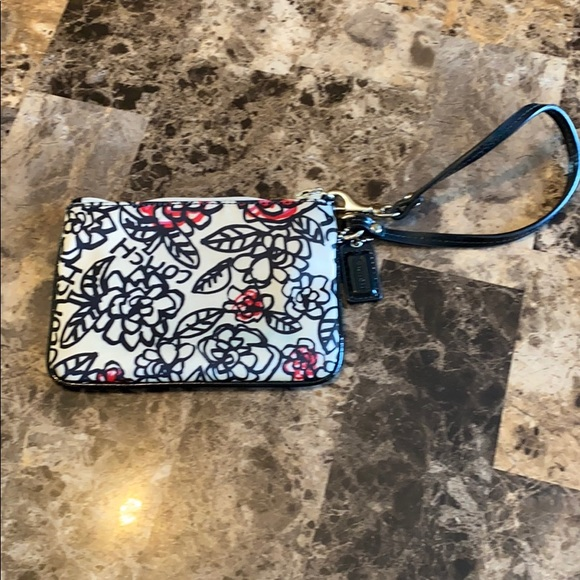 Coach Handbags - Coach Poppy Floral Graffiti Wristlet